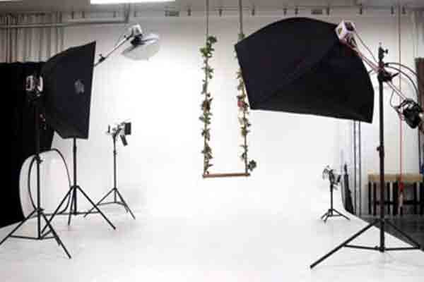 آتلیه فیلم و عکس پوپک واحد مجاز اتحادیه عکاسی و فیلمبرداری،آتلیه برای مراسم با 2 دوربین HD،آتلیه فیلم و عکس پوپک واحد مجاز اتحادیه عکاسی و فیلمبرداری،قیمت منوی ویژه فقط 800 هزار تومان ، با کلیپ ، آتلیه پوپک