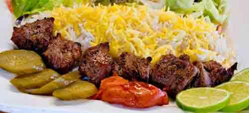 آشپزخانه و تهیه غذای پارسیان