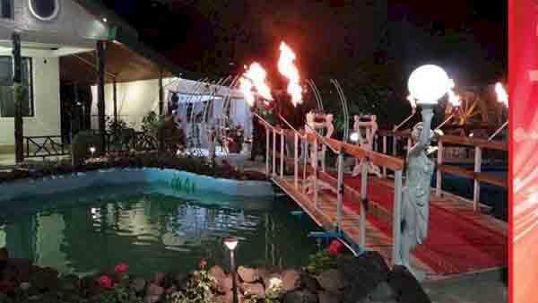 باغ تالار خاص آناهیتا کرج با هدایای ویژه ، باغ تالار آناهیتا کرج با ظرفيت ٥٥٠ نفر با ٢ سالن مجلل با نورپردازى فوق حرفه اى در منطقه ١٠ كرج واقع شده كه فاصله كمى تا اتوبان تهران- كرج داره ، باغ تالار آناهیتا کرج