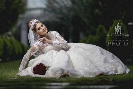 آرایشگاه زنانه و سالن زيبايي مارينا رويال در نياوران تهران ، ملكه اكنون باشيد ، شبى رويايي را با ما تجربه كنيد ، مژده به عروس خانوم ها و مشتاقان فراگيرى دوره هاي ميكاپ ، ميكاپ آرتيست فوق حرفه اي از كانادا داراي 5 مدرك بين المللي ميكاپ و گريم