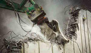 تخریب ساختمان های فرسوده و کلنگی و بتنی ، صفر تا صد تخریب انواع ساختمان با بهترین ابزار آلالت و ماشین آلات تخریب ، تخریب خانه قدیمی با لودر