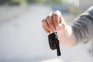 نحوه اجاره دادن خودرو به شخص و شرکت برای کسب درآمد بالاتر و مشکلات کمتر، در اینجا نکاتی در مورد اجاره ماشین مطرح می شود که هر کرایه دهنده خودرویی باید بداند. چگونه ماشین خود را اجاره دهیم